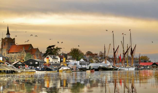 Paula Wiseman colourful view of Maldon Hythe just before sunset