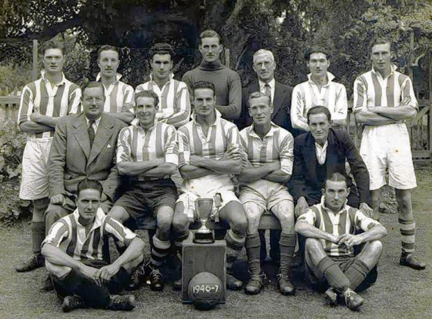 Do you recognise footballers in 1940s team photo?