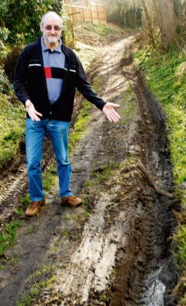 Ambulance gets stuck in mud on bridle path after following sat nav directions