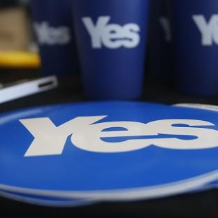 A new poll suggests the 'yes' independence campaign is closing the gap