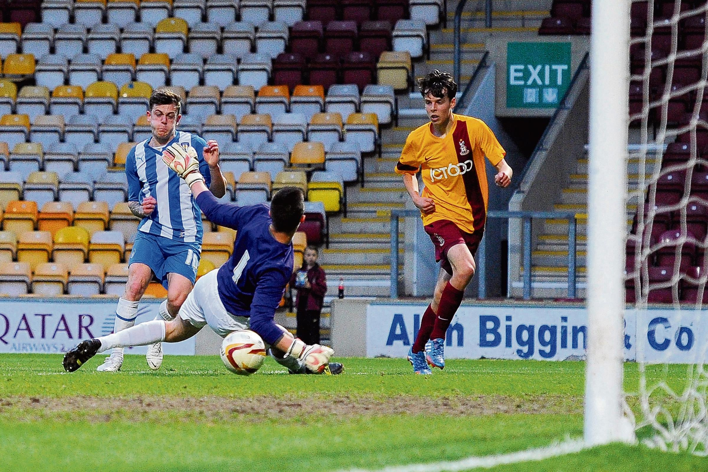 Net gain - Sammie Szmodics nets his second goal of the night in Colchester United's 4-2 win at Bradford City, on Tuesday night. Picture: RICHARD BLAXALL