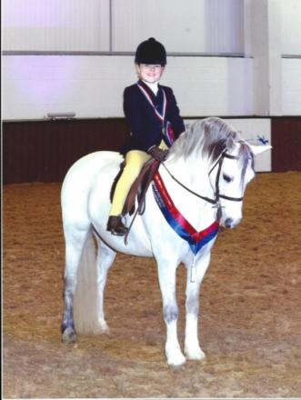 Young rider qualifies for prestigious horse show