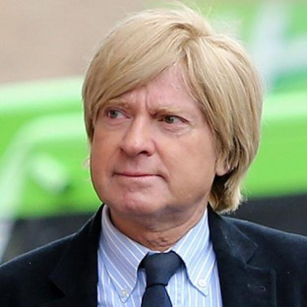 Halstead Gazette: Michael Fabricant tweeted that he would punch a female journalist in the throat