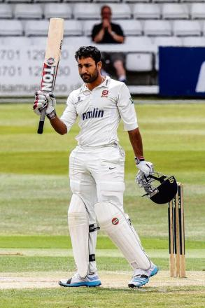 Ravi Bopara celebrates his century. PIC: GAVIN ELLIS/TGS PHOTOS