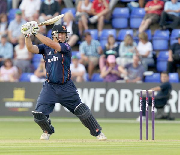 Jesse Ryder batting against Glamorgan. PIC NICK WOOD/TGS PHOTOS