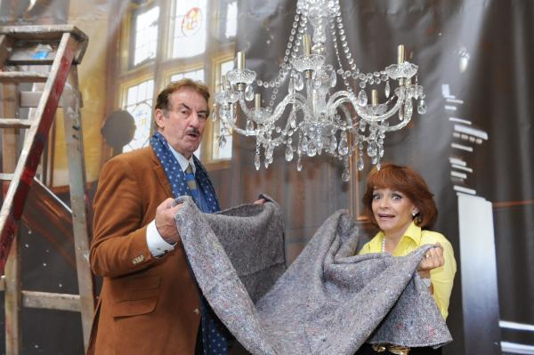 Brace yourself, Marlene – Sue Holderness and John Challis recreate a famous scene