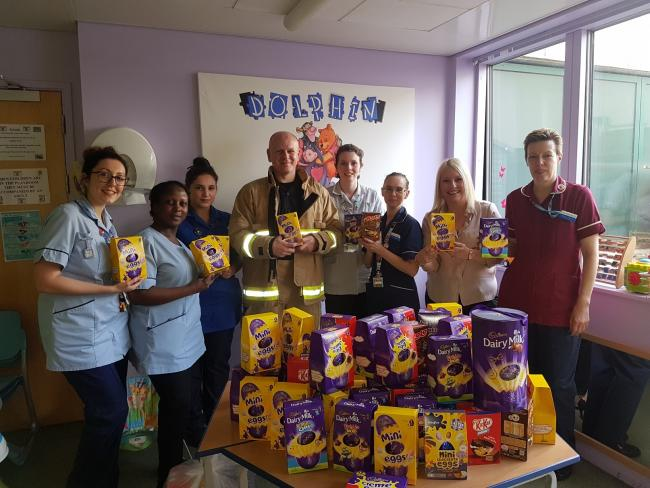 Stansted airport firefighter simon phillips of halstead gifts simon and staff at harlow hospital one of the drop off points for negle Image collections
