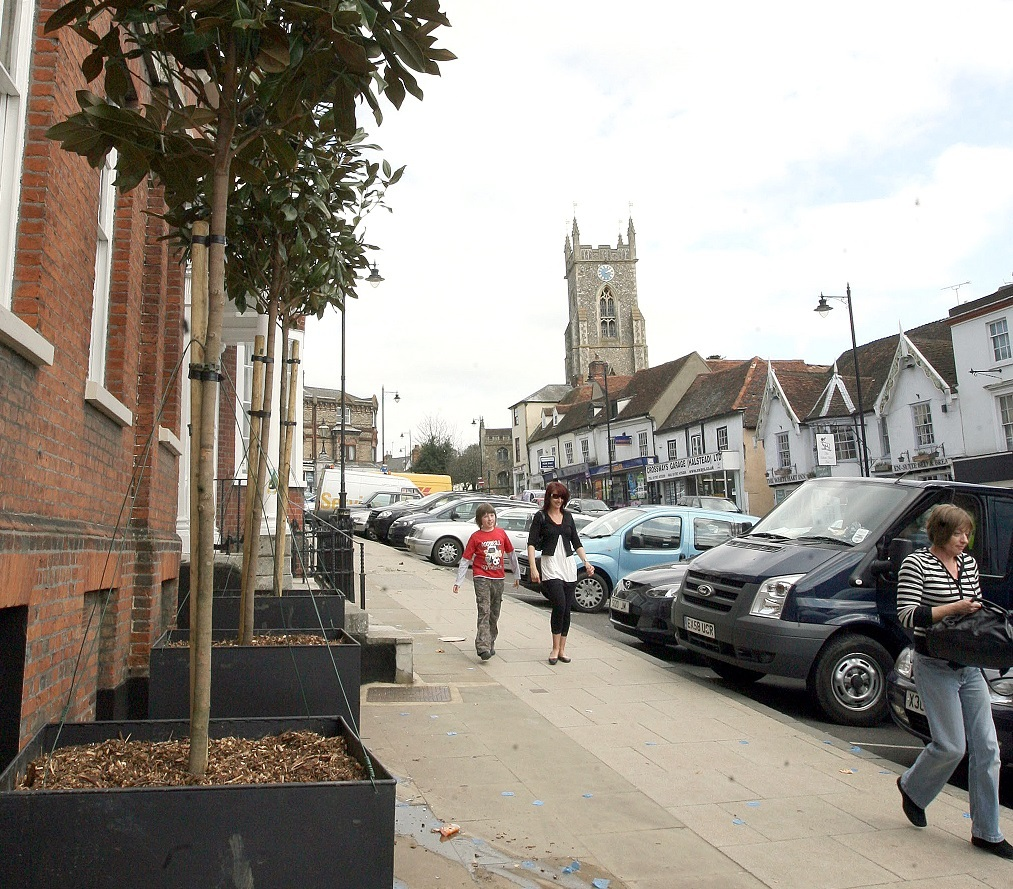 PARKING: 58 on street parking spaces are available, and free for one hour, in High Street, Halstead