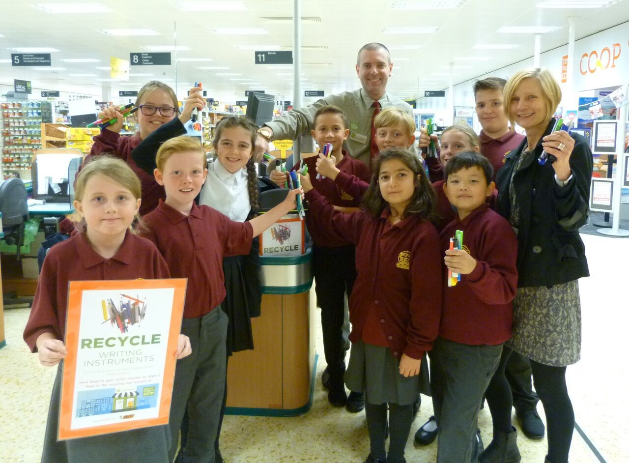 School signs town up to new recycling scheme