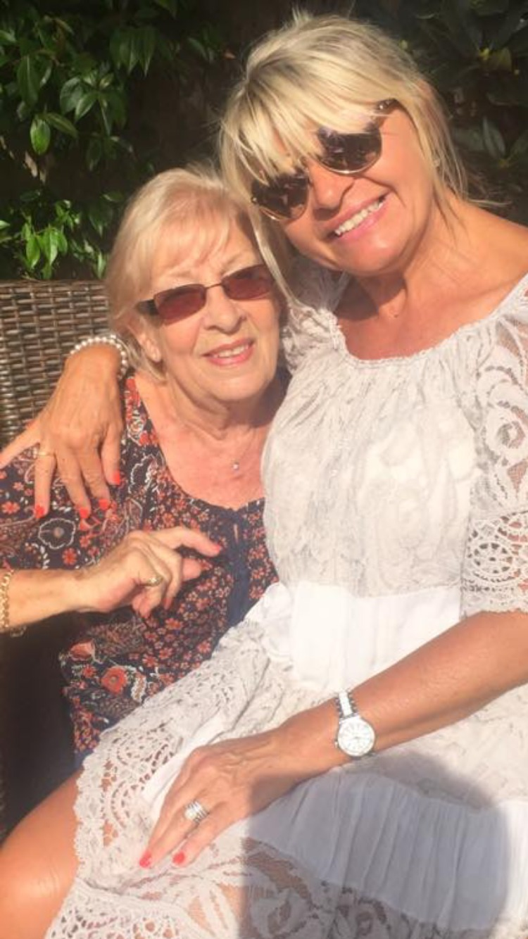 """Daughter thanks """"amazing"""" hospital staff who looked after her dying mum"""