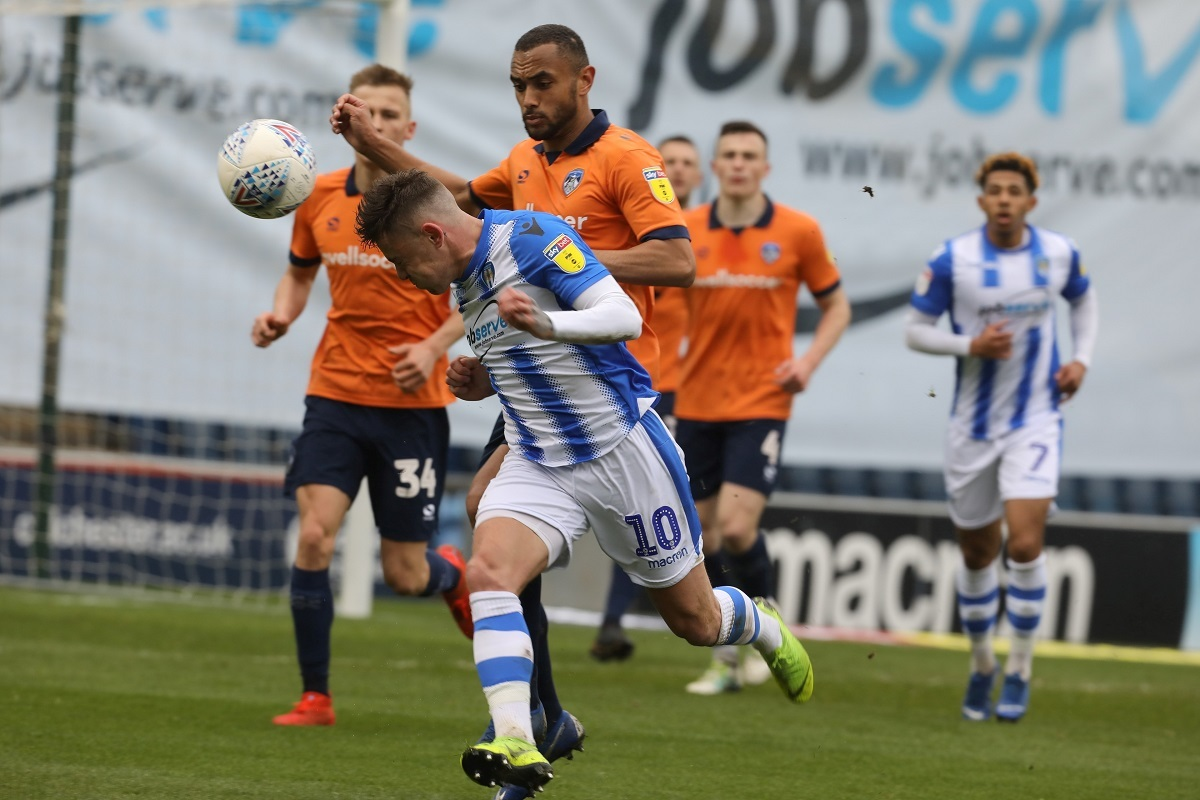 Tussle - Sammie Szmodics attempts to win possession during Colchester United's 2-0 defeat to Oldham Athletic Picture: STEVE BRADING